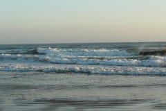 Fokus auf Welle auf dem Vordergrund Stockfoto
