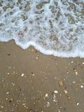 Fokus auf Welle auf dem Vordergrund lizenzfreie stockbilder