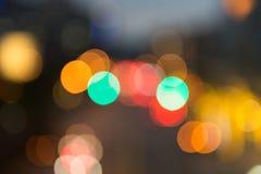 Fokuserad/suddig bild för De av ljus Suddighet lampor Ljus bokeh Arkivbild