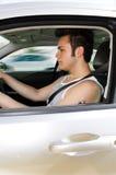 Fokuserad tonårs- chaufför royaltyfri fotografi