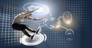 Folâtrez l'homme sautant dans l'interface rougeoyante de technologie de cercle illustration stock
