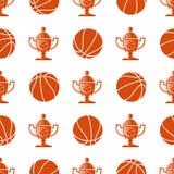 Folâtrez le modèle sans couture avec la boule et le trophée de basket-ball Image libre de droits