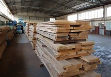 Free Folded Wooden Planks In A Sawmill. Piled Boards As Texture Royalty Free Stock Photography - 174610007