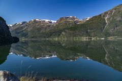 Folgefonna glaciärer och Hardangerfjord arkivfoto