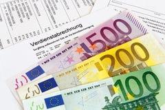 Folha de pagamento com cédulas imagem de stock