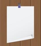 A folha de papel fora rasgada em de madeira Fotos de Stock Royalty Free