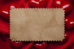 Folha e corações do papel vazio fotos de stock royalty free