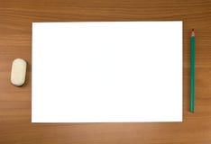 Folha e lápis brancos Ilustração Stock