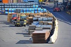 Folha e rolo de aço de metal no porto Fotografia de Stock Royalty Free