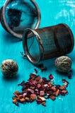 Folhas da fabricação de cerveja do chá Imagens de Stock Royalty Free