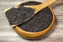 Folhas de chá secas para o chá preto Imagem de Stock
