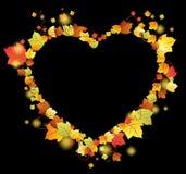 Folhas de outono no frame do coração Foto de Stock