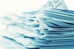 Folhas de papel ásperas fotografia de stock royalty free