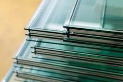 Folhas do vidro de janela moderado Fotografia de Stock Royalty Free