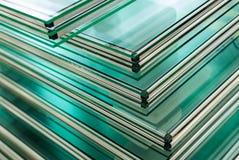 Folhas do vidro de janela moderado Fotos de Stock Royalty Free