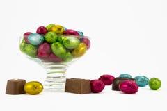 Folie zawijający Wielkanocni jajka. Obrazy Stock