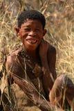 Folk av den San stammen i Namibia royaltyfria foton