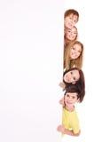folk för holding för banergrupp lyckligt Royaltyfri Bild
