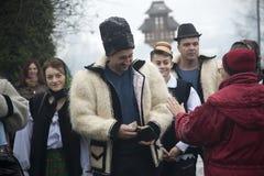 Folk festivaler för jul i Rumänien royaltyfri foto