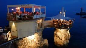 Folk, i att tycka om sikten i Le Plongeoir, Nice, Frankrike lager videofilmer