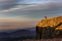 Folk i berg Arkivfoto