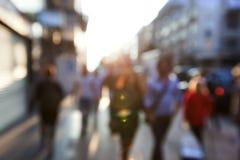 Folk i bokeh, gata Royaltyfri Fotografi