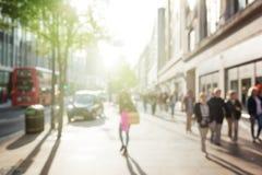 Folk i bokeh, gata av London Arkivbilder