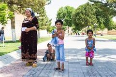 Folk i BUKHARA, UZBEKISTAN Royaltyfria Foton