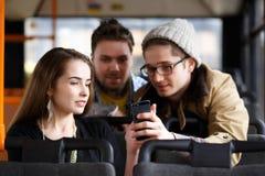 Folk i bussen royaltyfri foto