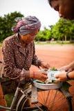 Folk i Cambodja Royaltyfri Bild