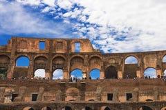 Folk i Colosseumen i Rome, Italien Royaltyfria Foton