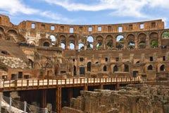 Folk i Colosseumen i Rome, Italien Arkivbild