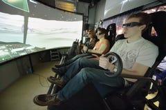 Folk i 3D-glasses på befordranhandling av dragningen 3D Royaltyfri Fotografi