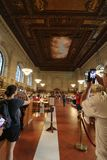 Folk i det New York City offentliga biblioteket Royaltyfria Foton