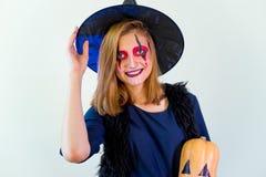 Folk i halloween dräkter Royaltyfria Bilder