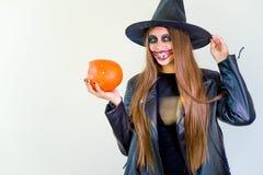 Folk i halloween dräkter Royaltyfri Foto