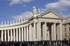 Folk i helgonet Peter Square i Rome arkivbild