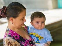 Folk i TASJKENT, UZBEKISTAN Royaltyfri Foto