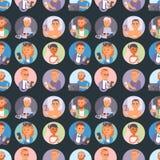 Folk- och grejbegrepp Livsstil för kommunikation för upptagen telefon för person smart social Modernt liv för online-socialt nätv Arkivbilder