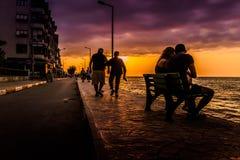 Folk och miljö av den turkiska sjösidastaden Fotografering för Bildbyråer