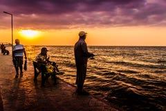 Folk och miljö av den turkiska sjösidastaden Royaltyfria Foton