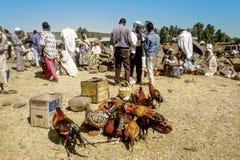 Folk på den centrala marknaden i Axum, Etiopien Arkivfoton
