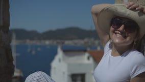 Folk på ferie i varma länder lager videofilmer