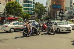 Folk på gatan av det asiatiska landet - Vietnam och Cambodja Arkivbild