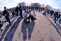 Folk på den Heineken Primavera ljud2013 festivalen, högaffeletapp Royaltyfri Bild