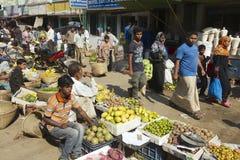 Folk på den lokala marknaden på Bandarban, Bangladesh Arkivbild