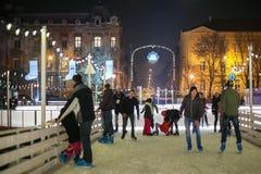 Folk som åker skridskor i Zagreb Royaltyfri Bild