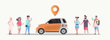 Folk som använder den mobila applikationen som beställer automatiskn med dela för bil för lägestiftonline-taxi carpooling begrepp royaltyfri illustrationer