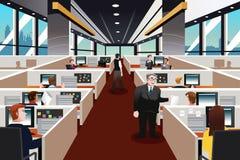 Folk som arbetar i kontoret Royaltyfri Fotografi