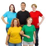 Folk som bär olika kulöra tomma skjortor royaltyfria bilder